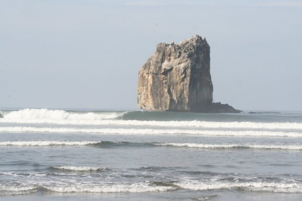 Witches Rock (Playa Naranjo) Surf Report Photo